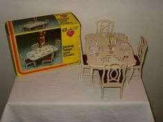Vintage 1978 Sindy Dining Table and 4 Chairs + Accessories #1235