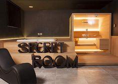 | Pasacables para escritorio: cómo ocultar el antiestético cableado - Secret Rooms, Home Office, Flat Screen, Blog, Dining Tables, Credenzas, Outdoor Flooring, Interior Lighting, Hidden Spaces