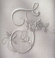 embroidered monogram. I have troubles getting this this pretty. I suppose it's lack of practice :-D