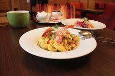 Trvalý odkaz na vložený obrázek Pesto, Spaghetti, Chicken, Ethnic Recipes, Food, Essen, Meals, Yemek, Noodle