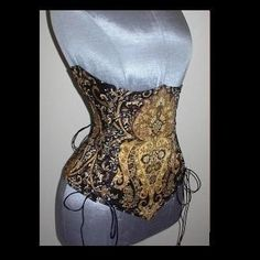 What a lovely corset!