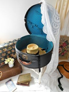 Vintage hat box from Lavender House Vintage available for UK delivery #vintage#luggage#home#interiors