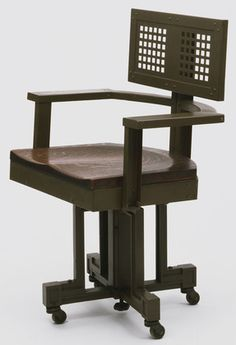 Frank Lloyd Wright office armchair, manufactured by The Van Dorn Iron Works (MoMA). Frank Lloyd Wright, Chair Design, Furniture Design, Modern Furniture, Manhattan Kitchen, Craftsman Furniture, Arts And Crafts Movement, Cool Chairs, Craftsman Style