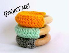 House Of Wonderland: Make your very own crochet teething rings! Crochet Craft Fair, Love Crochet, Crochet For Kids, Crochet Projects, Diy Crochet, Crochet Ideas, Diy Projects, Crochet Baby Toys, Newborn Crochet