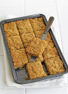 Try our flapjack recipe, a really easy tray bake. Oaty flapjacks can be served up with a cup of tea or packed into lunch boxes for an energy hit Tray Bake Recipes, Sheet Cake Recipes, Gourmet Recipes, Baking Recipes, Dessert Recipes, Desserts, Sheet Cakes, Yummy Recipes, Easy Flapjacks