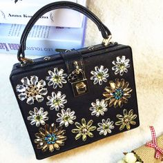 Black lock box bag ladies handbag