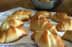 The Kitchen Food Network, Greek Recipes, Bagel, Food Network Recipes, Pizza, Cooking, Breads, Kitchen