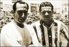 ISIDRO LANGARA, CON LA PLAYERA DEL REAL CLUB ESPAÑA, EN LA FINAL DE 1943/44, JUNTO AL DELANTERO ARGENTINO DEL ASTURIAS,ABALLAY.