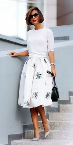 Gorgeous 76+ Stunning Casual Work Outfit for Summer https://bitecloth.com/2018/04/13/76-stunning-casual-work-outfit-for-summer/