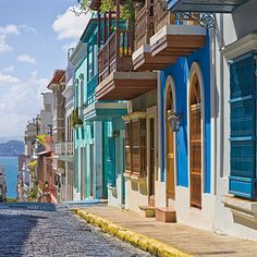 Budget-Friendly Caribbean Getaways | San Juan, Puerto Rico #vamotravel #color #photography #travel