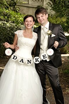 DANKE Girlande, Hochzeitsgirlande // wedding garland // renna deluxe Foto © Bill Bailey // www.billbailey.de