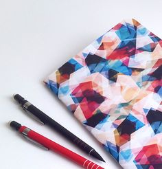 von DNMai auf Etsy Etsy, Vintage, Books, Red, Blue, Abstract Pattern, Craft Gifts, Schmuck, Libros