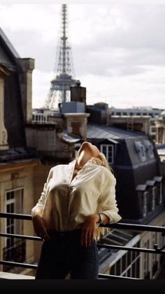 Image about fashion in Paris France 🗼🇫🇷 ☕ 🥖 by Kenzie My Little Paris, Poses Photo, Foto Casual, Shooting Photo, Paris Shooting, Parisian Style, Belle Photo, Portrait Photography, Fashion Photography
