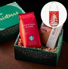 スターバックス コーヒー ジャパンのスターバックス® クリスマス ブレンド&キャラメルワッフル セット(特製バッグ付)についてご紹介します。