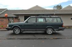 Volvo 240 Wagon Photo
