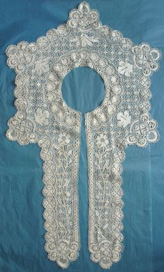 Maltese silk collar with front lappets, excellent ground and guipure work, from the 10/4/2015 Ebay Alerts.