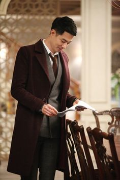 """Nearly anything the Oh Soo character wears in """"That Winter, the Wind Blows"""" (actor Jo In-Seong) Korean Star, Korean Men, Asian Actors, Korean Actors, Korean Dramas, Male Face Shapes, Sung Joon, Korea University, Jo In Sung"""