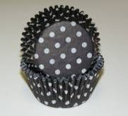 Black and White Polka Dot Cupcake Liners - Baking Cups Polka Dot Cupcakes, Polka Dot Party, Baking Cupcakes, Yummy Cupcakes, Polka Dots, Black Dots, Black And White, White Light, Eloise At The Plaza