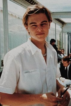 """""""Let me bless you guys with young Leonardo DiCaprio 🥺🤍"""" Bedroom Wall Collage, Photo Wall Collage, Mode Collage, Old Celebrities, Celebs, Young Leonardo Dicaprio, What Is Digital, Photocollage, Aesthetic Vintage"""