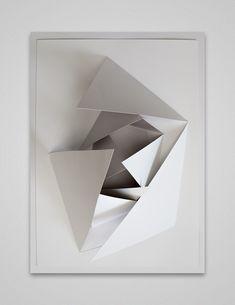E A T G. — weissesrauschen: Aldo-Tolino—-Onion-web by Aldo. Folding Architecture, Paper Art, Paper Crafts, Paper Folding, Kirigami, Installation Art, Oeuvre D'art, Paper Cutting, Sculpture Art