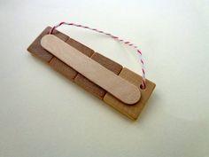 Scrabble Tile Christmas Ornament | Visit my scrabble themed craft site: http://www.scrabble-tile-crafts.com/