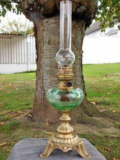 GRANDE LAMPE A PETROLE ANCIENNE PIED EN LAITON SCULPTE TOUPIE VERTE  OIL LAMP #LampPied