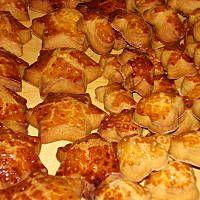 Pierniki mięciutkie zaraz po upieczeniu Cannoli, Truffles, Potatoes, Xmas, Cookies, Vegetables, Cooking Ideas, Fit, Beautiful