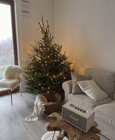 Christmas Feeling, Cozy Christmas, Dream Apartment, Christmas Decorations, Holiday Decor, Holiday Gifts, Christmas Aesthetic, Home And Deco, My New Room