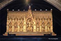 A Mons, le Doudou, c'est le nom populaire d'une semaine de grande liesse collective qui débute le week-end de la Trinité.   La Ducasse rituelle en constitue l'apogée. Ses origines remontent au XIVème siècle. Quatre moments forts la caractérisent.
