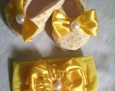 kit Sapatinho e Tiara de Bebê Amarelo