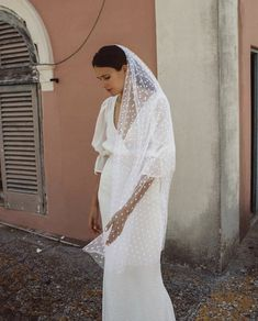 The Bridal Fashion Week for 2019 has come and gone, and it did not disappoint. Chic Wedding, Wedding Styles, Dream Wedding, Wedding Day, Bridal Outfits, Bridal Gowns, Wedding Gowns, Dress For Summer, Here Comes The Bride
