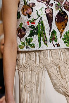 See detail photos for Schiaparelli Spring 2016 Couture collection.