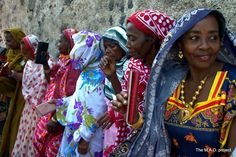 """Beautiful women from Ngazidja island, Comoros. """"Despite its social and cultural characteristics, the Comorian society is characterized by its matrilocal residence and a social matrilineal organization that articulates without contradiction to the Islamic religion."""" Sophie Blanchy, anthropologist."""