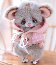 Ломаем мимиметры! :) Миниатюрная тедди-игрушка Мышка Шуша — работа дня на Ярмарке Мастеров #cute #teddy #toy