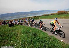 2012 Tour de Romandie Stage 3, Bradley Wiggins at the head of the peloton rounding Lake Neuchatel near Yvonand