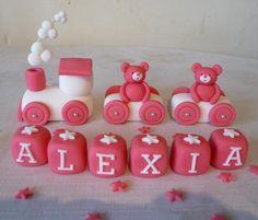 Teddy bear cake decoration