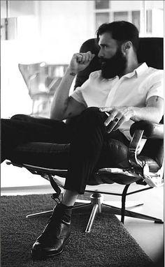 The outfit.the beard.the hair. Beard Love, My Life Style, Awesome Beards, Beard Tattoo, Man Bun, Hair And Beard Styles, Men's Grooming, Gentleman Style, Facial Hair