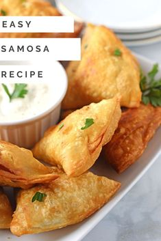 Easy Arabic samosa recipe made with tortilla. These samosas made with three different fillings beef, chicken and cheese mix for you to choose from. Great as a party appetizer, snack or even emergency dinner. Samosas, Meat Samosa, Empanadas, Chicken Samosa Recipes, Easy Samosa Recipes, Beef Samosa Recipe Indian, Easy Recipes, Meat Appetizers, Appetizer Recipes