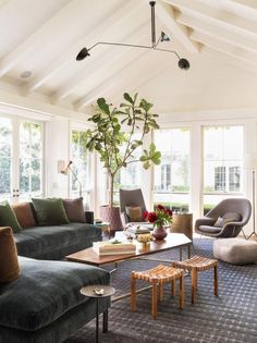 Commune Design - Modern California Living Room