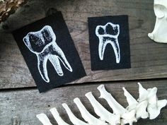 Occult patches - twee tand patches - tanden, punk patch, goth patch, heidense patches, heks, naai de patch, horror patch, nu Goth, schedel, pagan