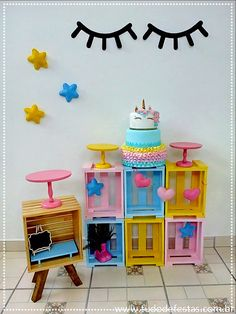 Mini Table Unicórnio Mickey Y Minnie, Ideas Para Fiestas, Diy Table, Toy Chest, Diy And Crafts, Birthday Parties, Kids Room, Creative, Projects
