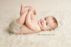 La photo de bébé sur peau d'agneau revisitée ! Photos d'Hélène Douchet : www.helenedouchet.com