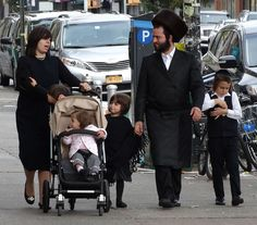 Hasidic Family in Street - Borough Park - Hasidic District - Brooklyn - Hasidic Judaism - Wikipedia, the free encyclopedia