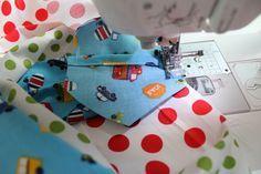 Hallo ihr Lieben! Heute habe ich einen ganz tollen DIY-Gastpost von Mama Susanne für euch: Ballonhüllen nähen. Mama Susanne hat sich sehr bemüht und sich die Zeit genommen, einen Post darüber zu schreiben, wie man - Schritt für Schritt - Luftballonhüllen näht. Dazu gibt es ein gratis Schnittmuster, das ihr