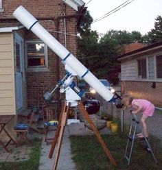Homebuilt Refractor and Mount **Project for way down the road with Bowen. Just in case he ever does get the Astronomy bug. An long refractor would be a very cool project. Diy Telescope, Hubble Space Telescope, Space And Astronomy, Astronomy Science, Celestron Telescopes, Refracting Telescope, Whirlpool Galaxy, Environmental Science, Boards
