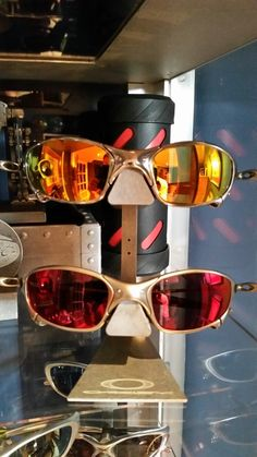 Can you ever have too many Oakley X-Metals? We'd say no: http://www.oakleyforum.com/threads/more-juliets.55457/