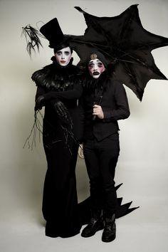 "mr aka ""the villains"" Mardi Gras Costumes, Halloween Costumes, Halloween Ideas, Cabaret, Dark Circus, Gothic Looks, Queen Costume, Theatre Costumes, Corpse Bride"
