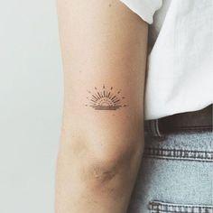 simple tattoos for women unique - simple tattoos ; simple tattoos with meaning ; simple tattoos for women ; simple tattoos for women with meaning ; simple tattoos for women unique Cute Tiny Tattoos, Little Tattoos, Trendy Tattoos, Beautiful Tattoos, Small Pretty Tattoos, Dainty Tattoos, Diskrete Tattoo, Shape Tattoo, Body Art Tattoos