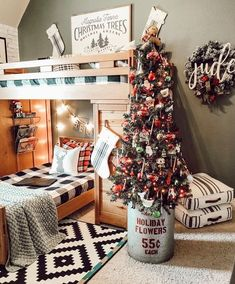 120 Cozy Farmhouse Christmas Decorations Done in Adorable Co.- 120 Cozy Farmhouse Christmas Decorations Done in Adorable Country Style That You'd Love To Take Inspiration From – Hike n Dip - Lantern Christmas Decor, Christmas Staircase Decor, Best Christmas Tree Decorations, Christmas Chandelier, Christmas Tree With Gifts, Cool Christmas Trees, Christmas Bedroom, Farmhouse Christmas Decor, Rustic Christmas