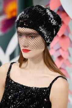 Les bonnets à voilette du défilé Chanel haute couture printemps-été 2015 http://www.vogue.fr/mode/news-mode/diaporama/les-bonnets-voilette-du-dfil-chanel-haute-couture-printemps-t-2015/18788/carrousel#les-bonnets-voilette-du-dfil-chanel-haute-couture-printemps-t-2015